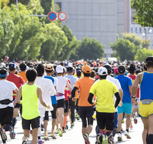 ハーフマラソン平均タイム(男性・女性)と年齢別のタイム詳細